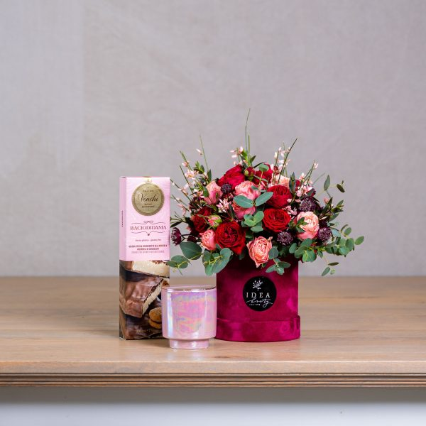 Darček pre ženu k sviatku - elegantný kvetinový set Brittany